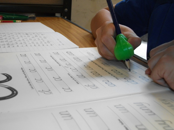 muscle memory helps to develop handwriting skills